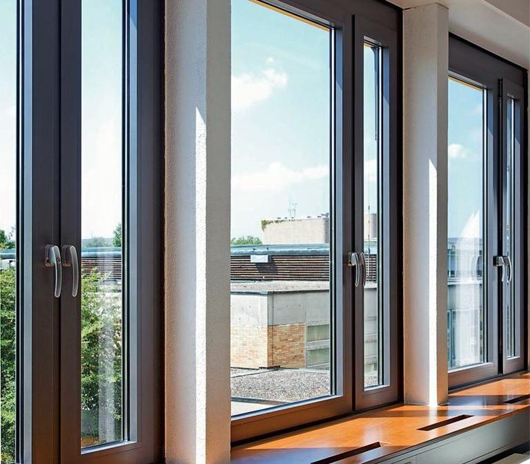 алюминиевые окна в офисе