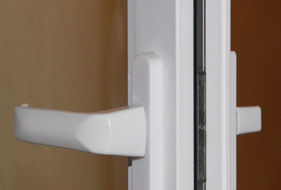 двухсторонняя ручка на дверь балкона